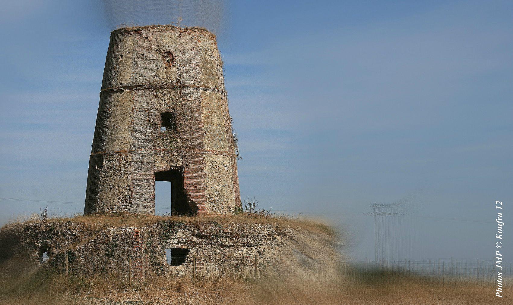 Photographie artistique du vieux moulin en ruines de Crucey