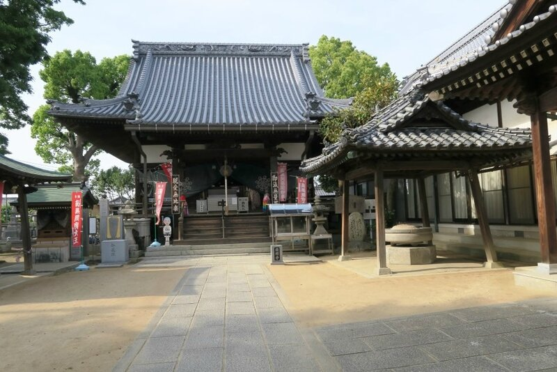 16-05-19_14_Iyo Wake_temple