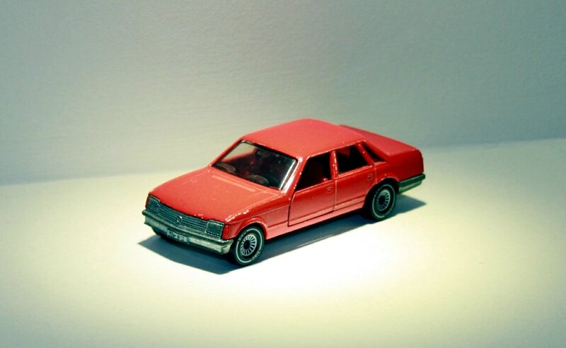 Opel senator (Siku) 01