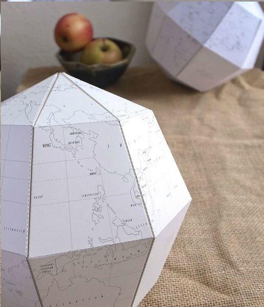 le-paper-globe