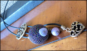 Purple_beaded_bead