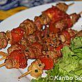 Brochettes de magret de canard mariné aux épices et aux fruits de la passion