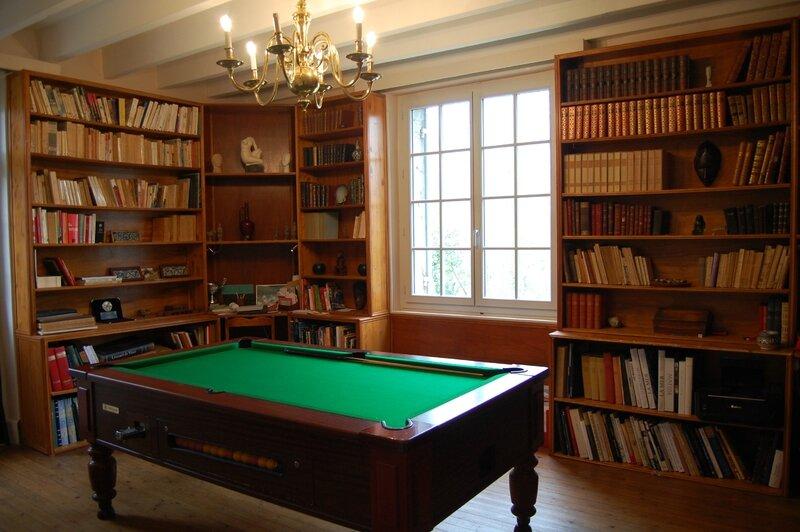 La bibliothèque-billard (2)