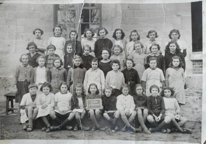 1943 photo de classe à St Leu d'Esserent
