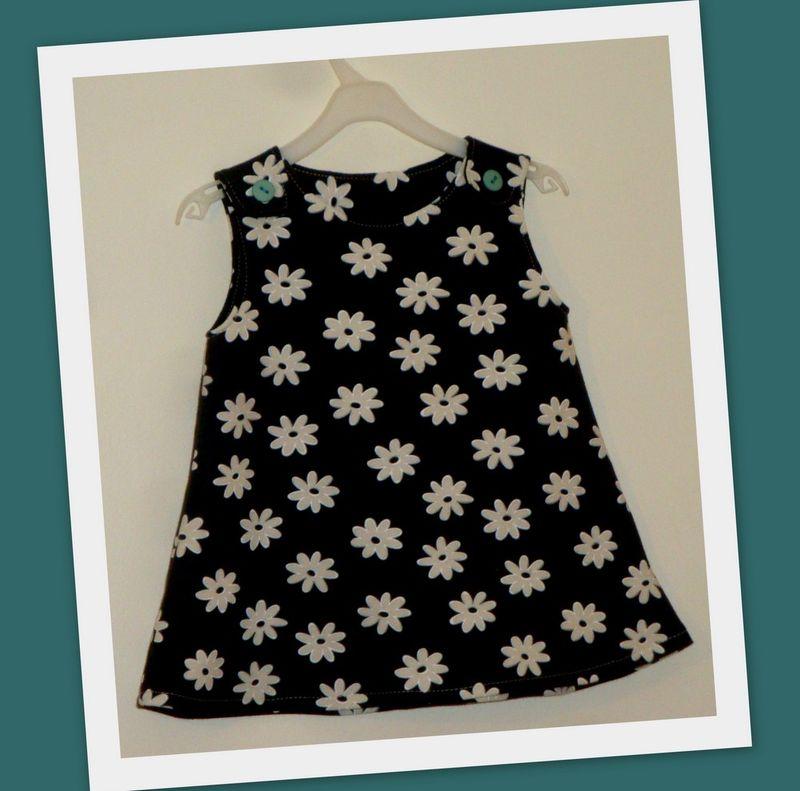 robe trapèze bretelles mars 2012
