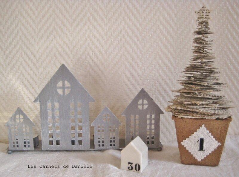 Sapin_papier_et_maisons_zinc_