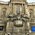 Rue de grenelle, la fontaine des quatre saisons