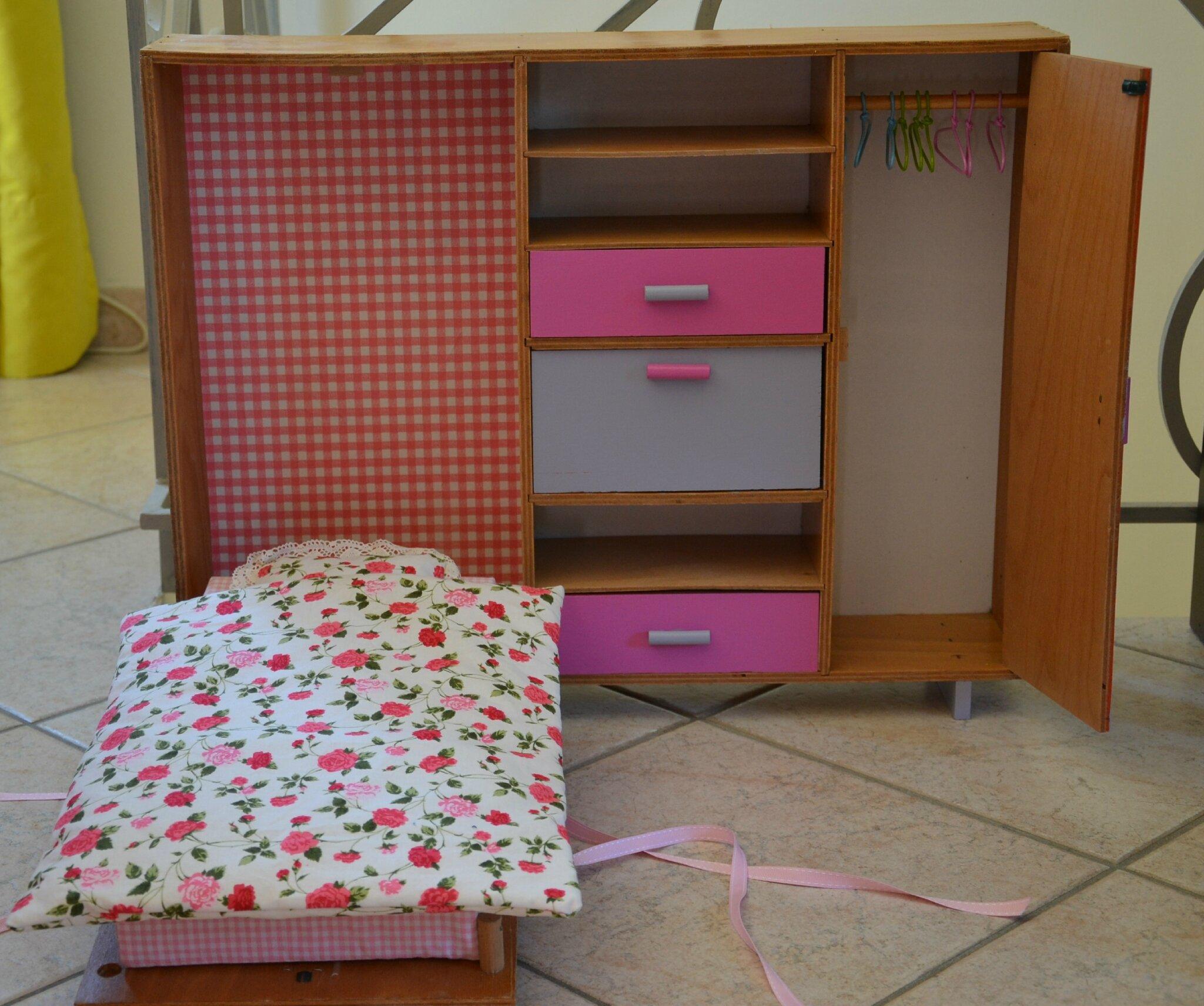la chambre de poupinette les cinq saisons. Black Bedroom Furniture Sets. Home Design Ideas