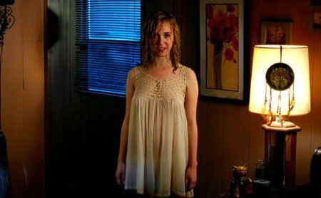 killer-joe-juno-temple-braless-650x401