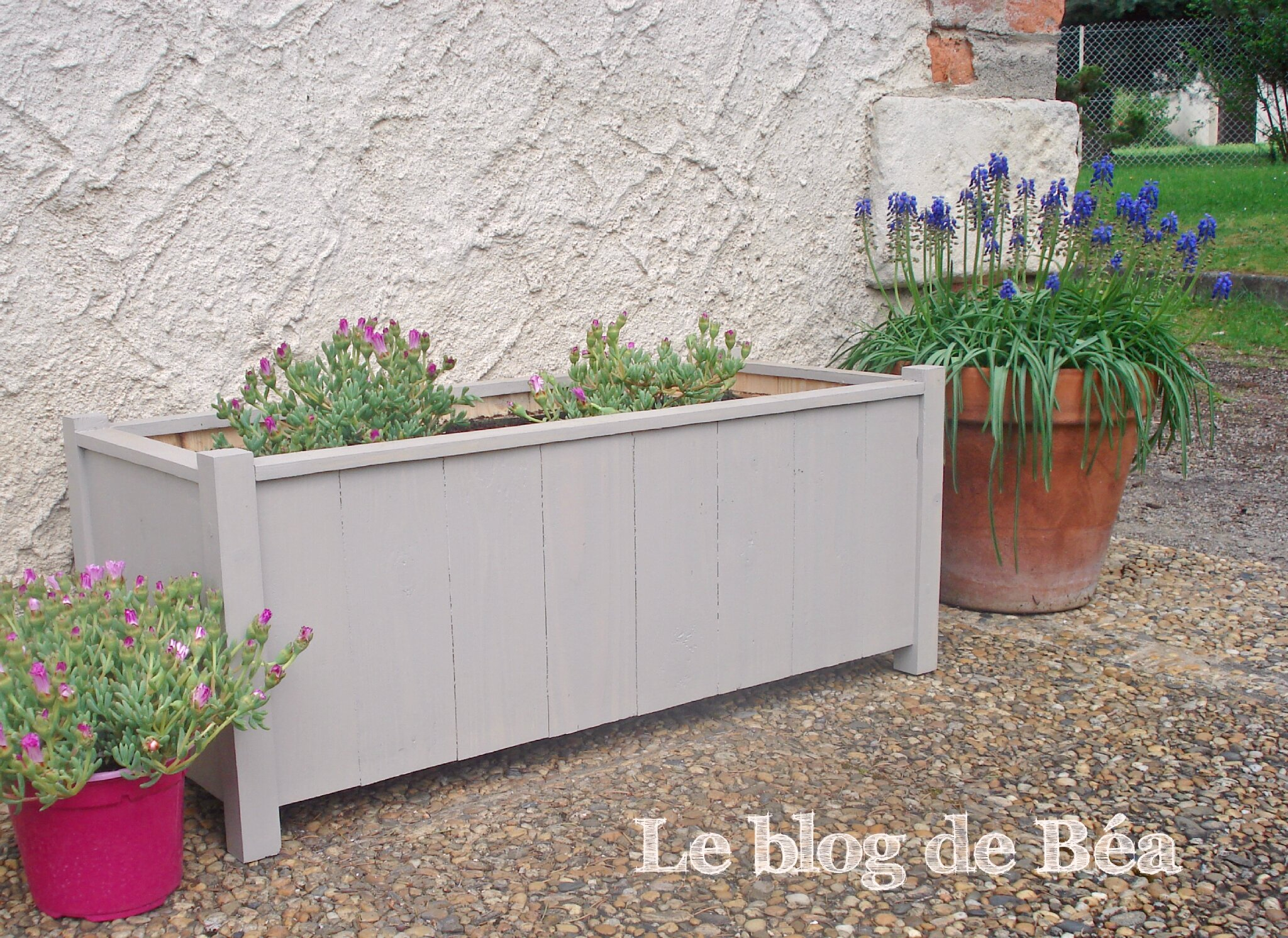 Diy jardini re en planches de palette et tasseaux le for Jardiniere hauteur 1 metre
