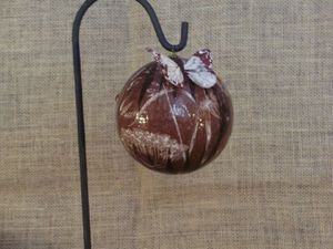 grande boule herbier fond chocolat