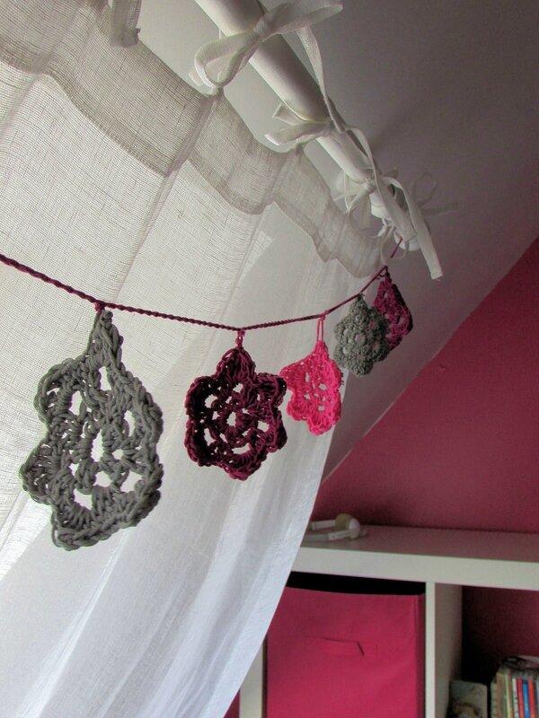 guirlande-fleurs-crochet