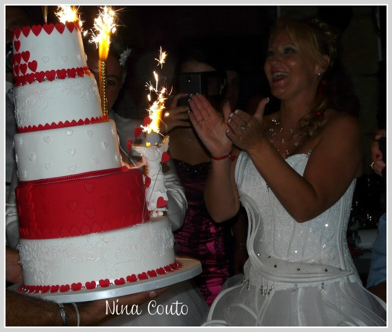 wedding cake red white sandrine1