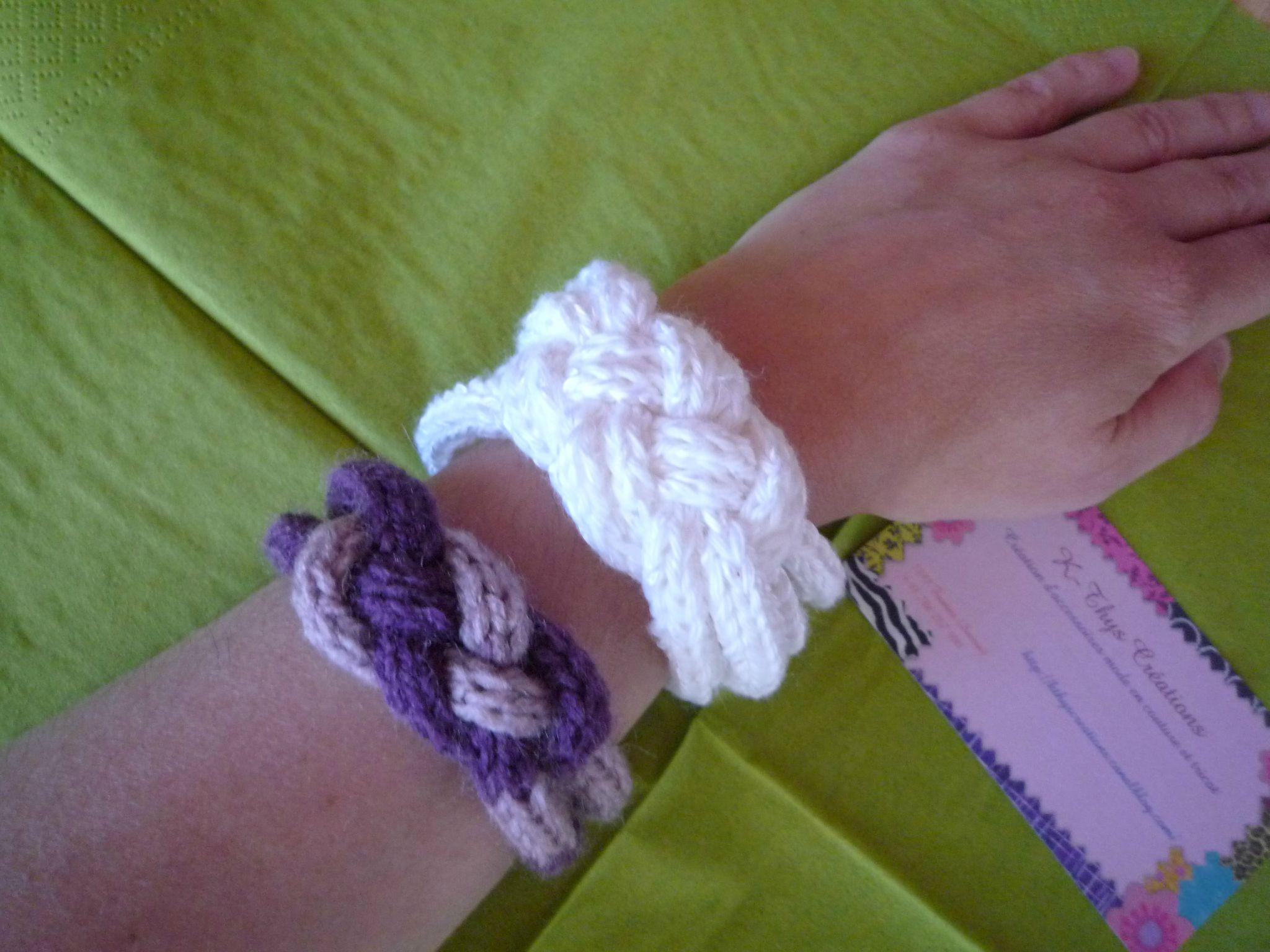 Bracelets faits au tricotin avec nœud marin