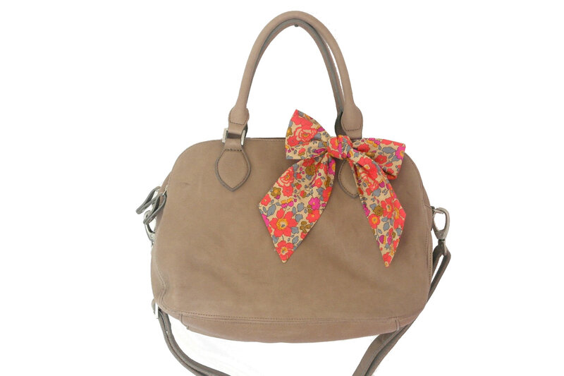 Sac_Bowling_Taupe_Betsy_fluo_th__Chut_Charlotte__1a_