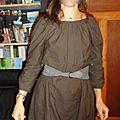 Jolies robes toutes simples modèle E robe brodée