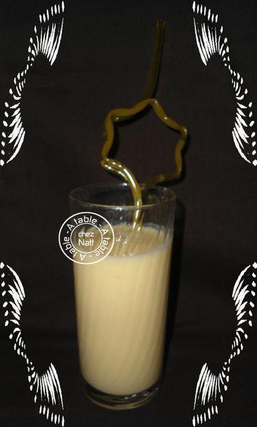 boisson lactée à la mangue