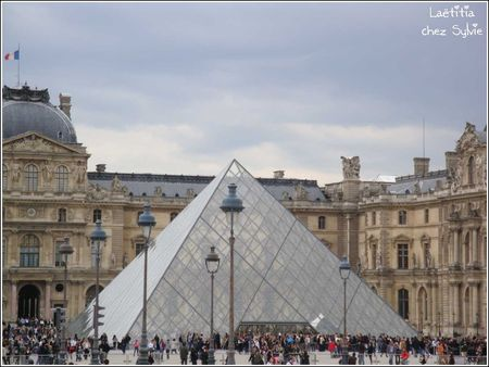 Louvre_pyramide