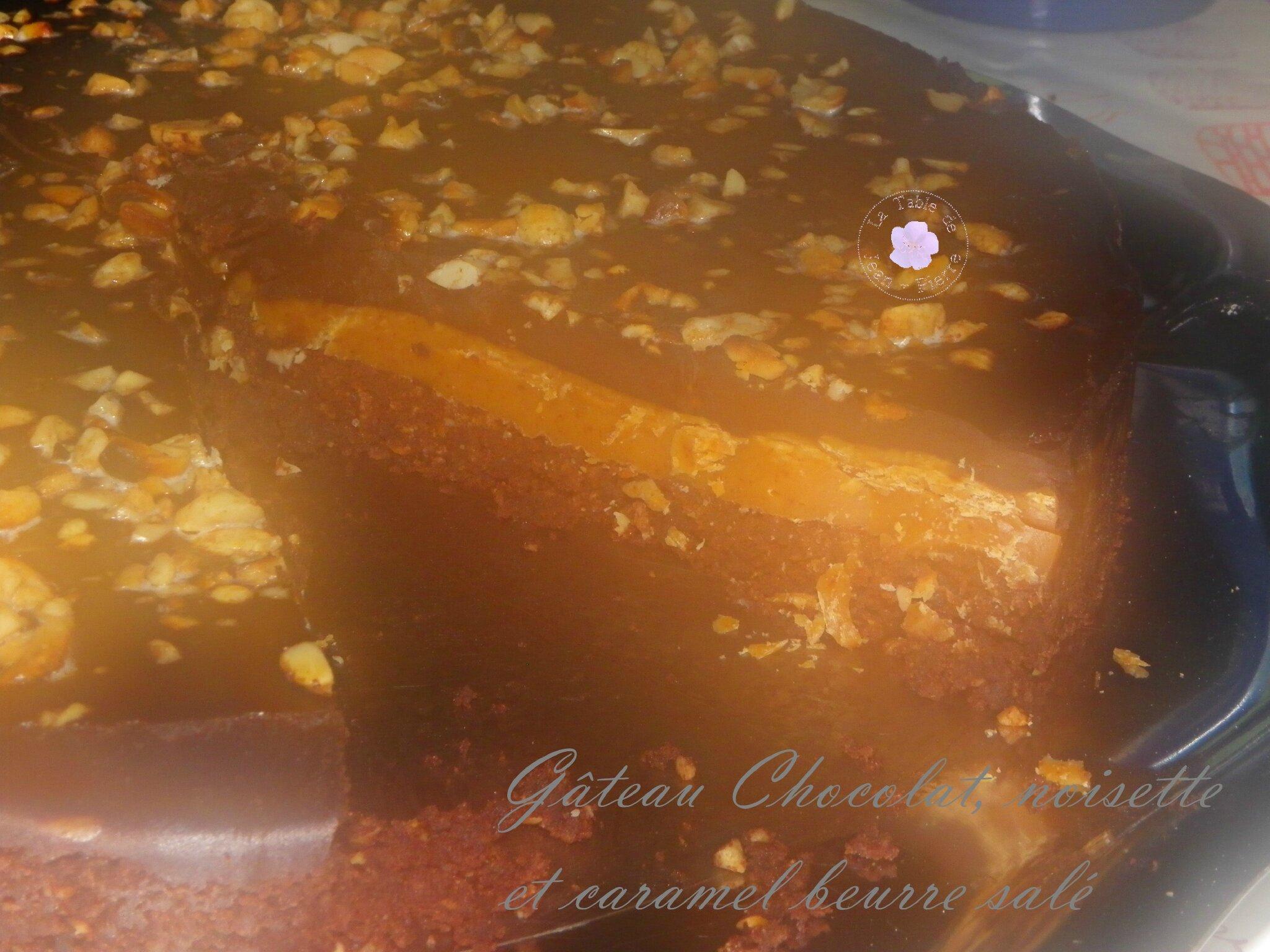 Gâteau au chocolat, Noisettes et Caramel Beurre salé.