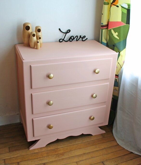 commode-pieds-moustaches-rose-bis