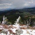 2008 04 14 La neige sur le sommet du Lizieux et le paysage au lointain