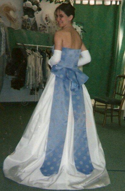 robe de mari e blanche et bleu laeti couture mei ta mei tai porte b b chinois cape de. Black Bedroom Furniture Sets. Home Design Ideas