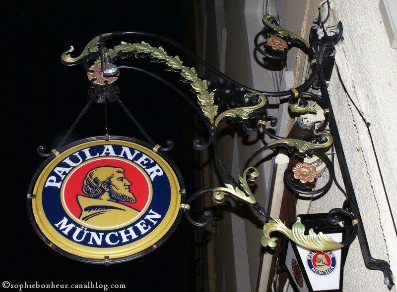 curios enseigne bière
