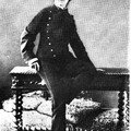 Gisèle d'Estoc adorait se déguiser en collégien pour séduire les femmes...
