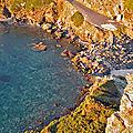 Kayaks posés à Kastri Beach, Skopelos — P1010677