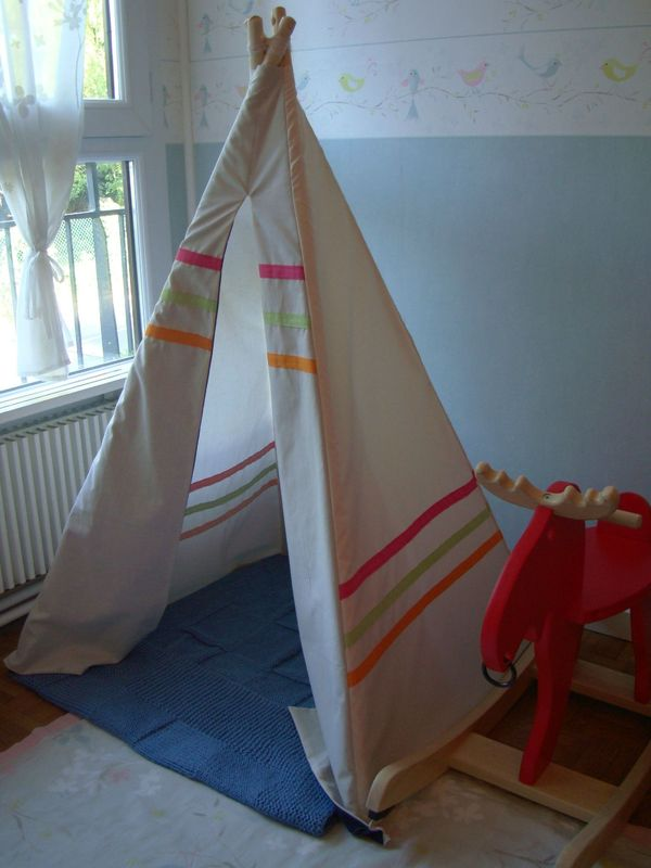 mini tipi pour mini miss ca perd pas les popettes. Black Bedroom Furniture Sets. Home Design Ideas