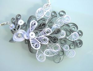 collier quilling blanc gris 3