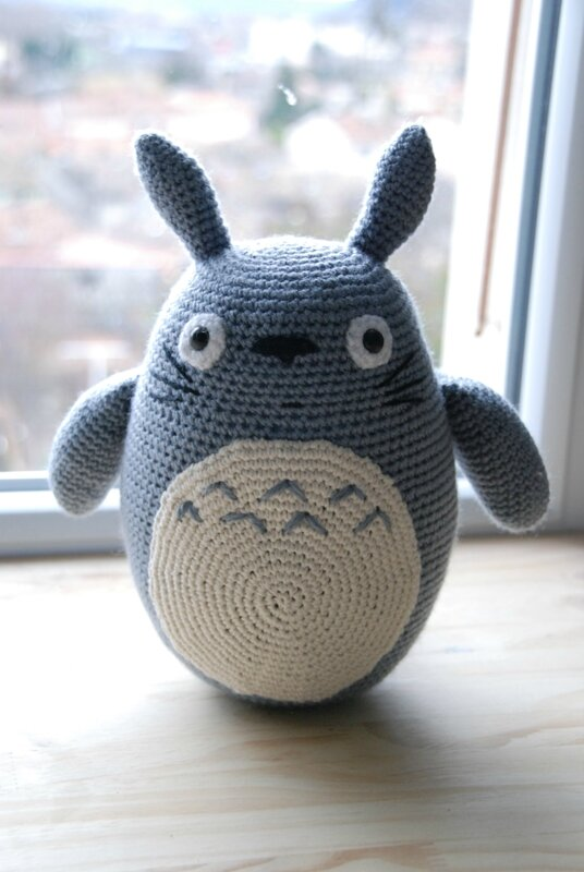 Tuto Amigurumi Totoro Francais : Agnes (Moi, moche et mechant) amigurumi modele gratuit en ...
