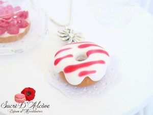 Collier donuts vanille fraise (3)