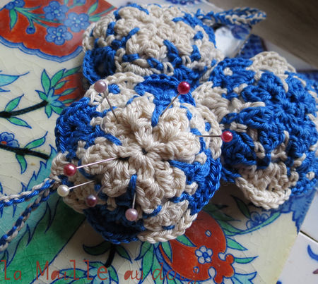 azulejos_pincushion_crochet_1