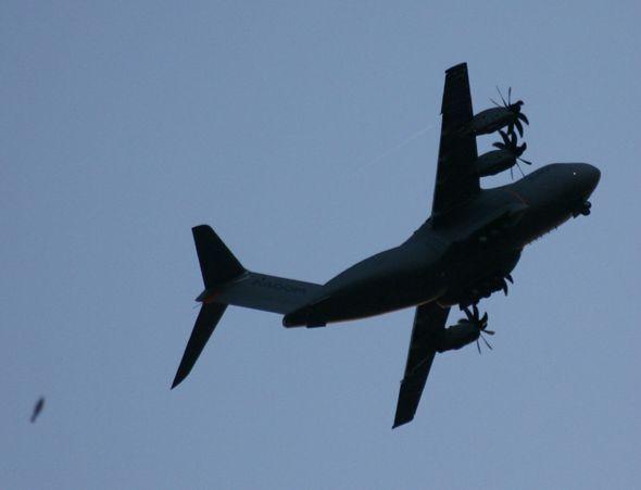 A400M-OVNI1