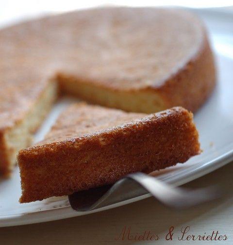 gâteau aux blancs d'oeufs - miettes et serviettes