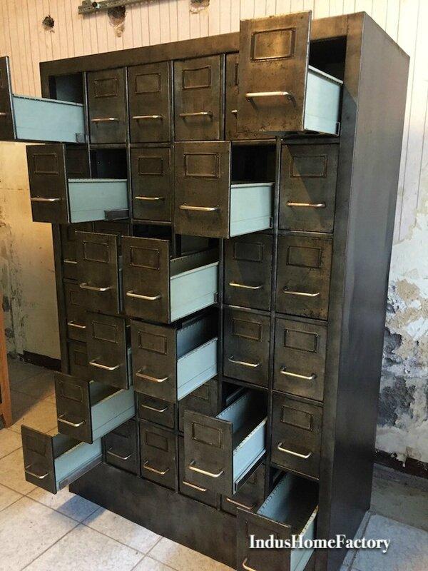 renover meuble industriel good renover armoire mtallique nouveau meuble industriel dcoration. Black Bedroom Furniture Sets. Home Design Ideas