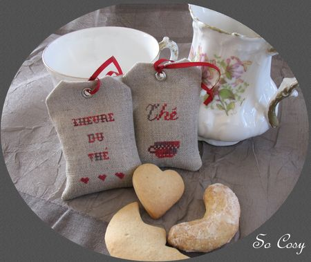sachet_th__broderie_point_de_croix_gateau_de_noel_2
