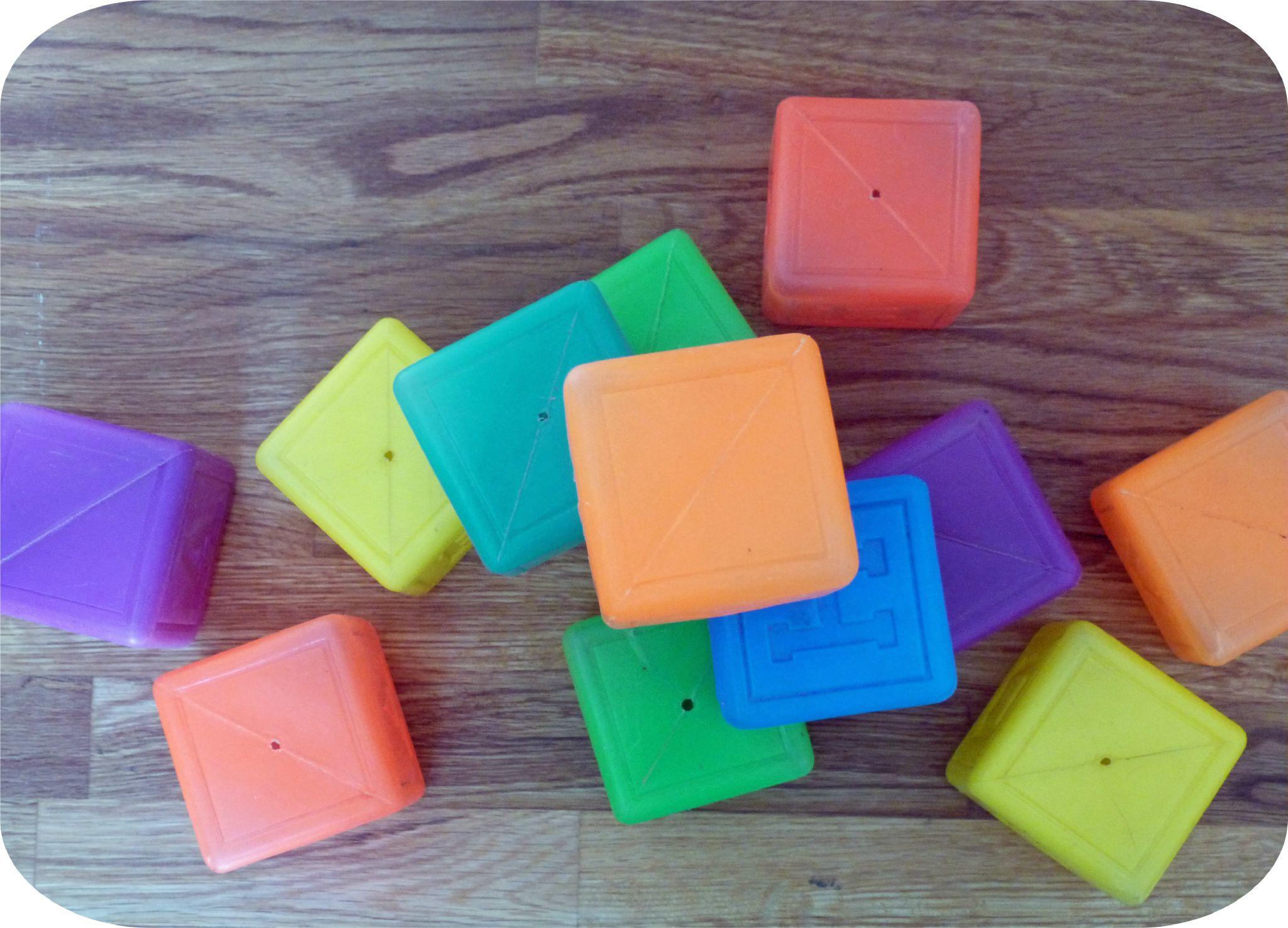 cube plastique vintage1