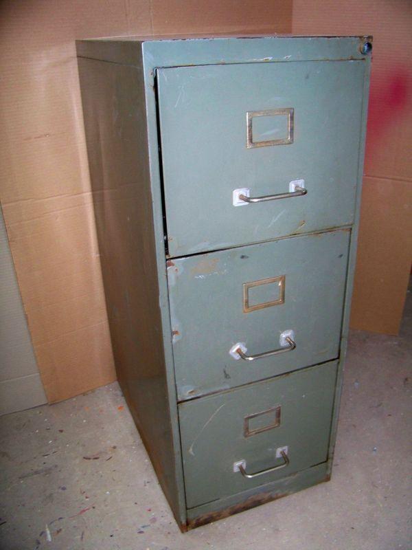Meuble métallique à tiroirs  La petite brocanteuse -> Meubles Metalliques