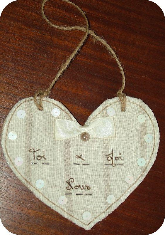 Pampille en forme de coeur en lin et carton