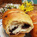 Petits pains aux noisettes et chocolat