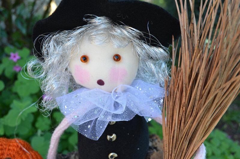 Lola la sorcière-La chouette bricole (4)