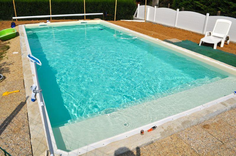 Piscine en fonctionnement piscine en blocs polystyr ne for Piscine polystyrene