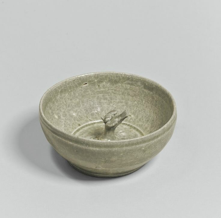 A 'Yue' 'Bird' bowl, Eastern Jin dynasty, 3rd-4th century