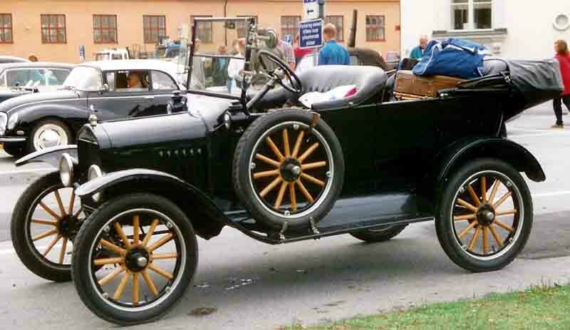 1923_Ford_Model_T_Touring_3