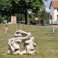 Les enfants s'amusent dans le parc