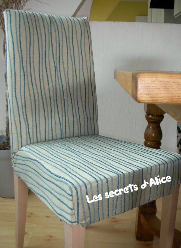 La premi re chaise de caroline les secrets d 39 alice for Coudre housse chaise