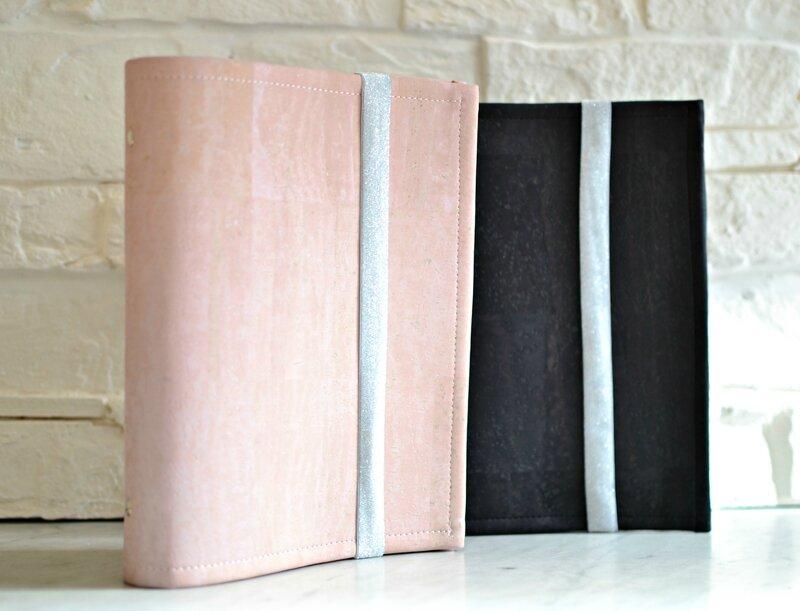 planner en cuir de liège rose pale élastiquée shirley ze pap