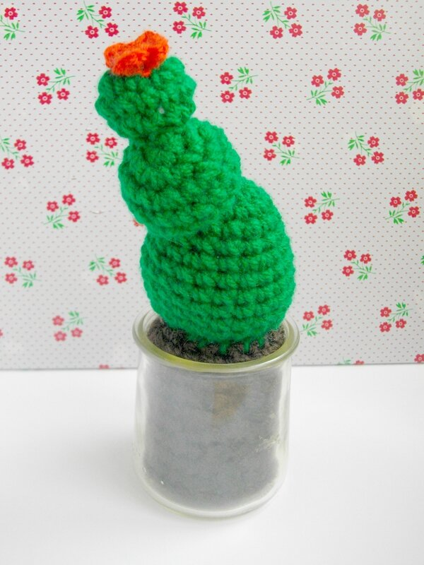 cactus-crochet-pot-verre-yaourt-diy-tuto-boules-kitsch-kitchen-photo-vintage-